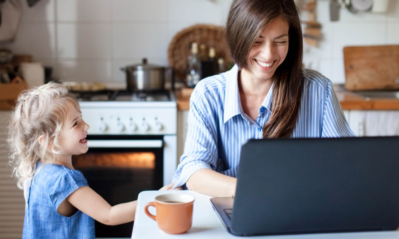 10 Ways to Entertain Your Kids While You Work From Home